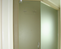 Acid Wash Steam Room Enclosure With Operable Air Vent